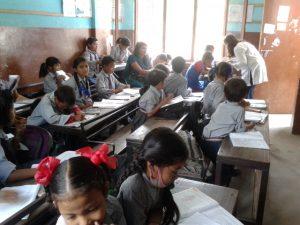 volunteer teaching Nepal