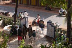 volunteer teach India