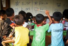 volunteer teaching Cambodia