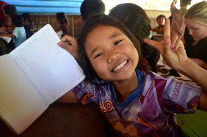 volunteer teaching Cambodia