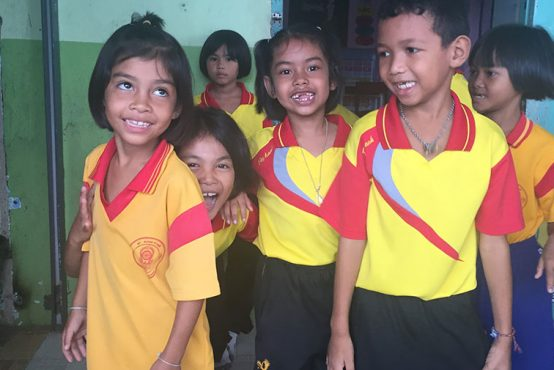 Catherine-Tansey-teaching-in-Thailand