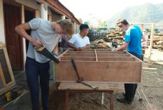 Construction-Nepal-volunteer